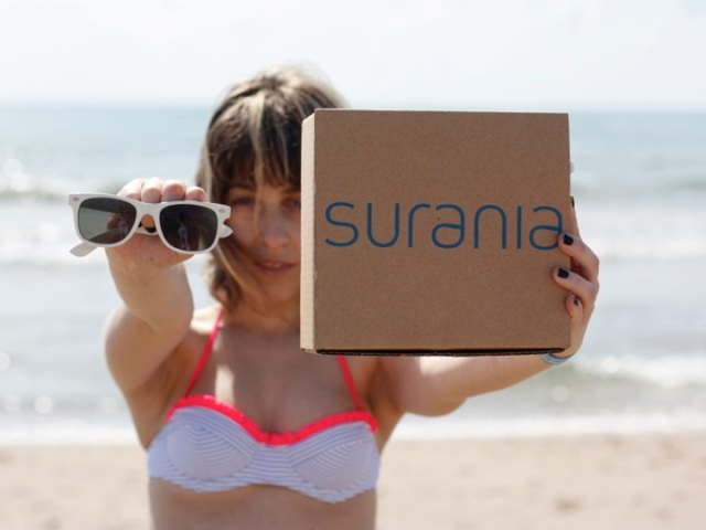 http://lookandfashion.hola.com/elpercherodemarina/20130513/con-surania-puedes-disenar-tu-propio-bikini/